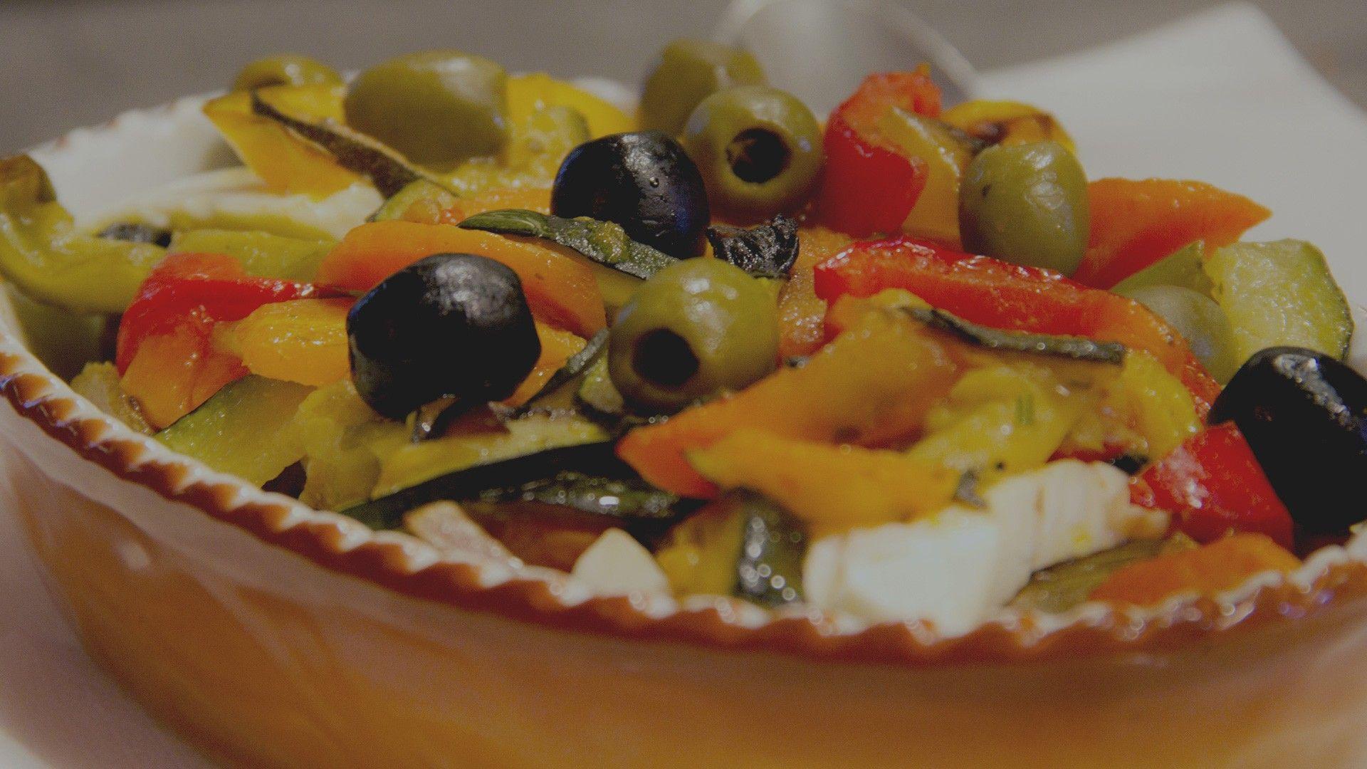Das spanische Restaurant Bodega in Wernigerode bietet mediterrane Speisen aller Art hier zu sehen ist ein Antipastiteller.
